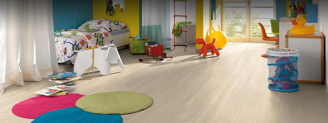 Een kurkvloer in de kinderkamer - stil, zelfs als het wat luidruchtiger wordt.
