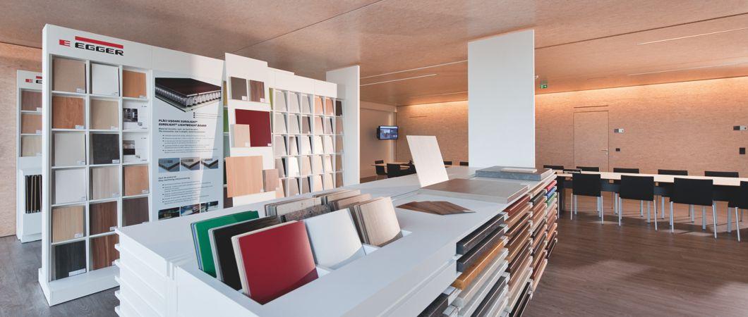 Möbel und Fußboden in EGGER Dekoren