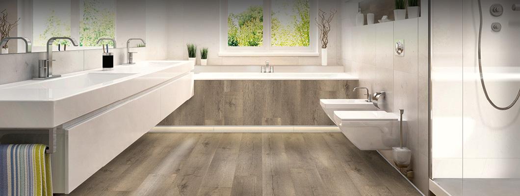 У нас есть напольные покрытия, предназначенные специально для использования в ванных комнатах и в помещениях с повышенной влажностью.