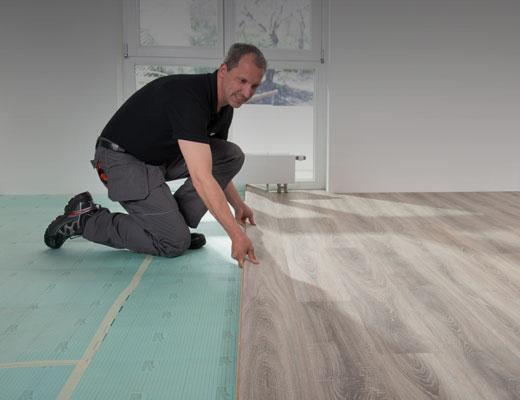 02PI_AP_PH_flo_manufacturer_floorboard_just_clic_H1056_01_520x400px.jpg