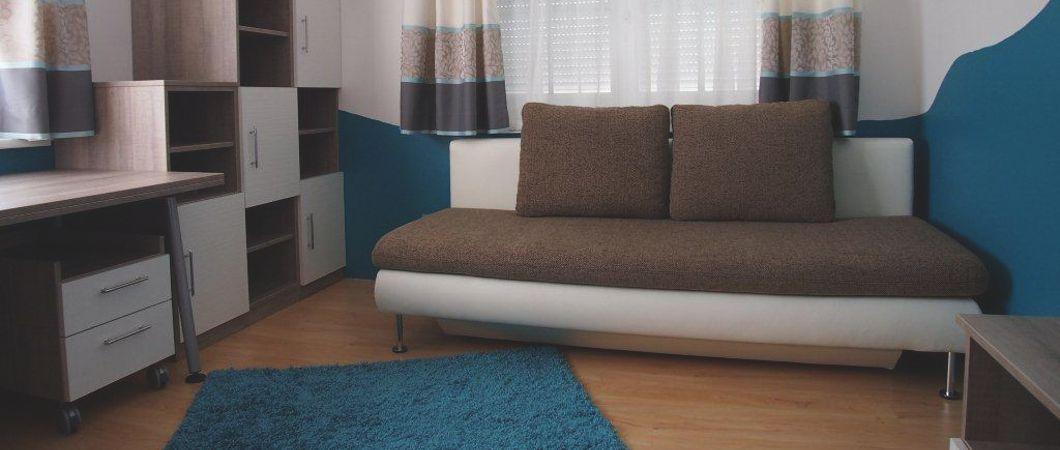 """Gestaltung des Jugendzimmers mit """"coolen"""" und """"warmen"""" Farbtönen."""
