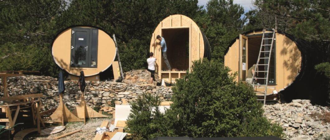 Pentru fațade, s-a utilizat un total de 60 m² cu EGGER OSB 3 și DHF.