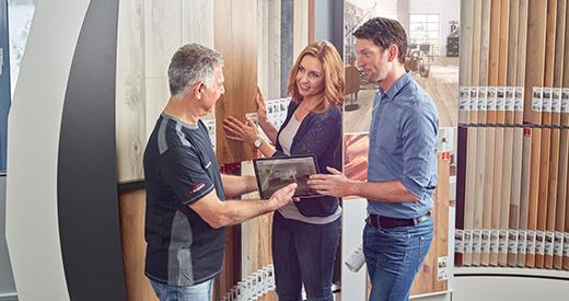 De vloer van de gespecialiseerde dealer - laat vloeren installeren door een professional