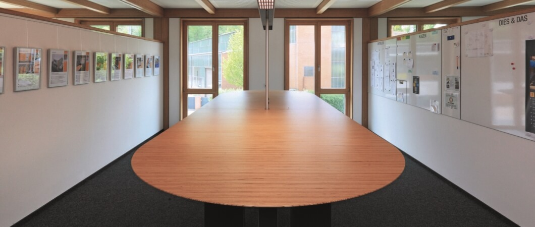 Элементы внутренней отделки были выполнены из бруса из клееного шпона из древесины бука.