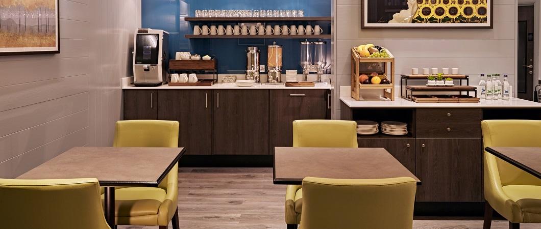 В местах общественного пользования данный декор обеспечивает единый дизайн, преобладающий в отеле.