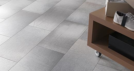 Имитация керамической плитки с помощью декоров, стилизованных под камень