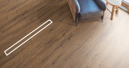 Schlanke Fußbodendielen für kleine, verwinkelte Räume