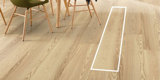 Long flooring boards look good in large spaces.