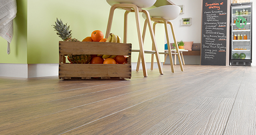 Natural Pore supports the natural wood effect for the flooring