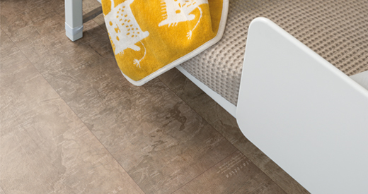 Smoothtouch surfaces ensure that the flooring looks velvety.