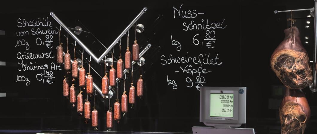 Information is written directly on the boards. © AlbrechtsBesteBilder