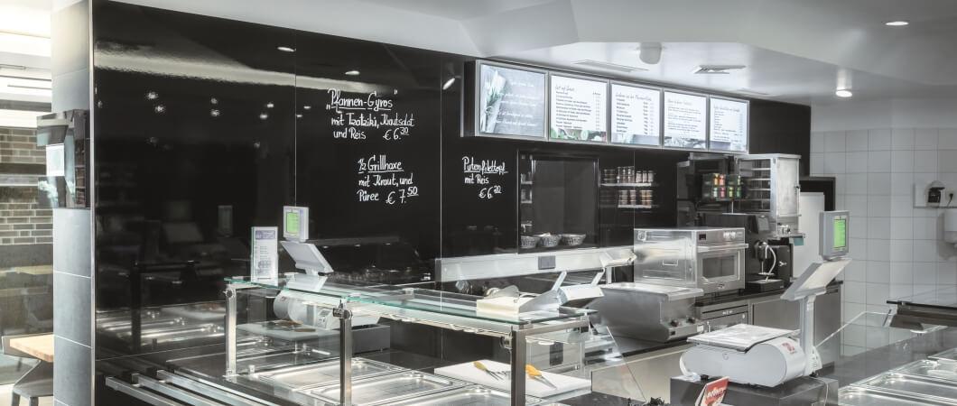The PerfectSense Gloss board is ideal as wall cladding. © AlbrechtsBesteBilder