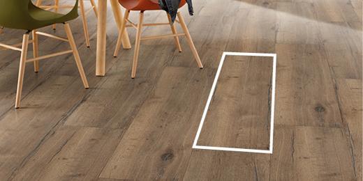 Wielki format desek podłogowych sprawia, że montaż podłogi przebiega w podwójnie szybkim tempie.
