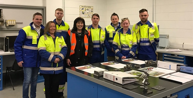 Scottish Minister Jeane Freeman (centre) meets with EGGER employees.