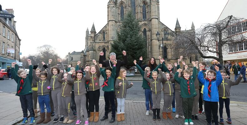 EGGER teams up with Hexham Brownies and Cubs to design Christmas tree banner