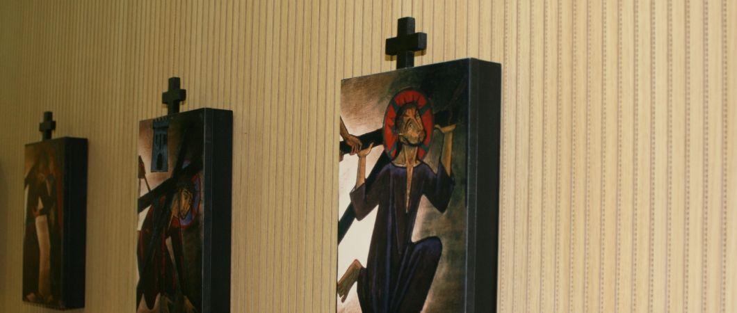A kápolnában akusztikus lemezeket helyeztek el