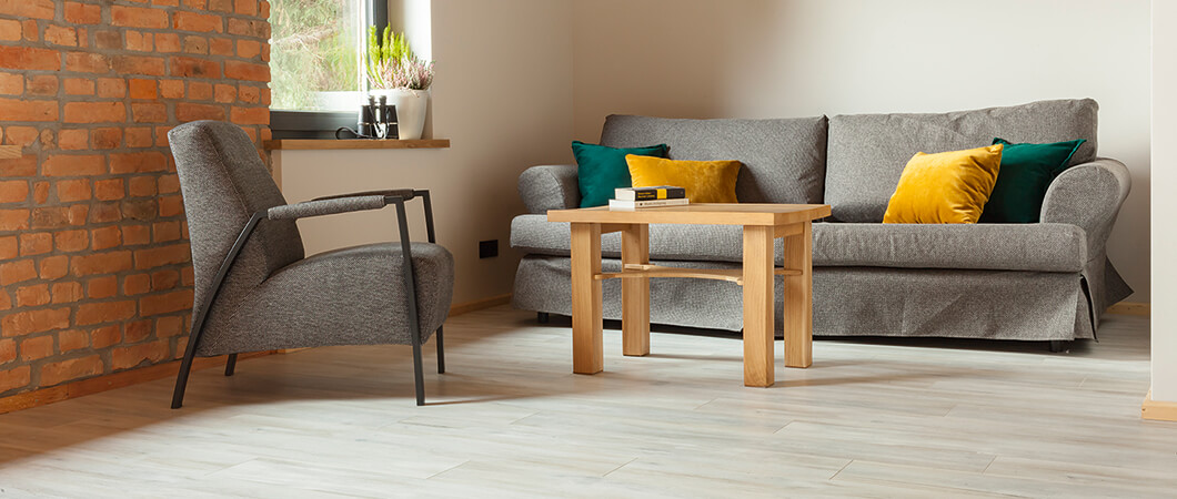 EPL064 Natural Abergele Oak works well in combination with the owner's interior design.