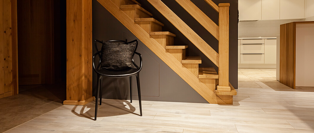 An ideal choice for the entire living area, thanks to its wear resistance.