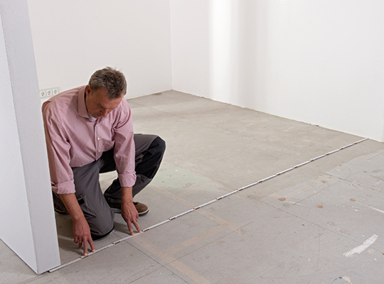 By precisely measuring your room and its walls, you can calculate exactly the amount of flooring and skirting you'll need.