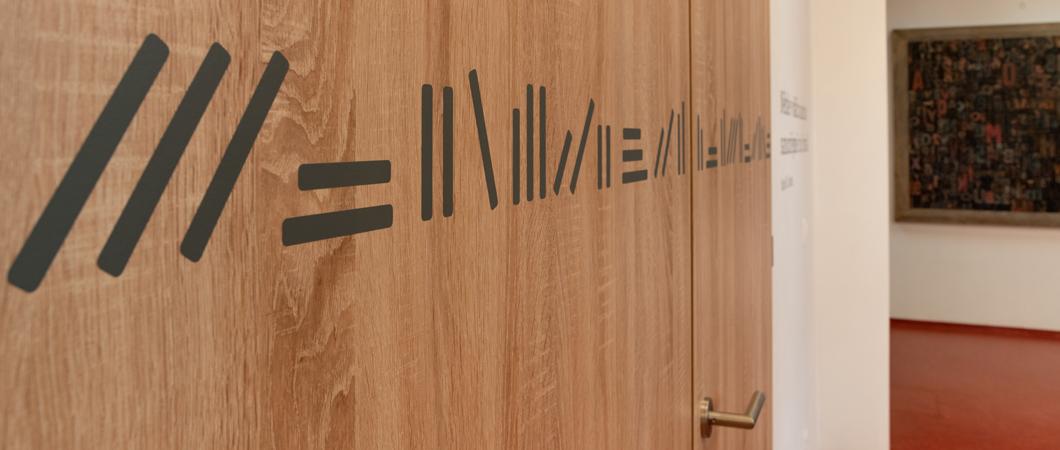 Moderní dveře v dekoru....