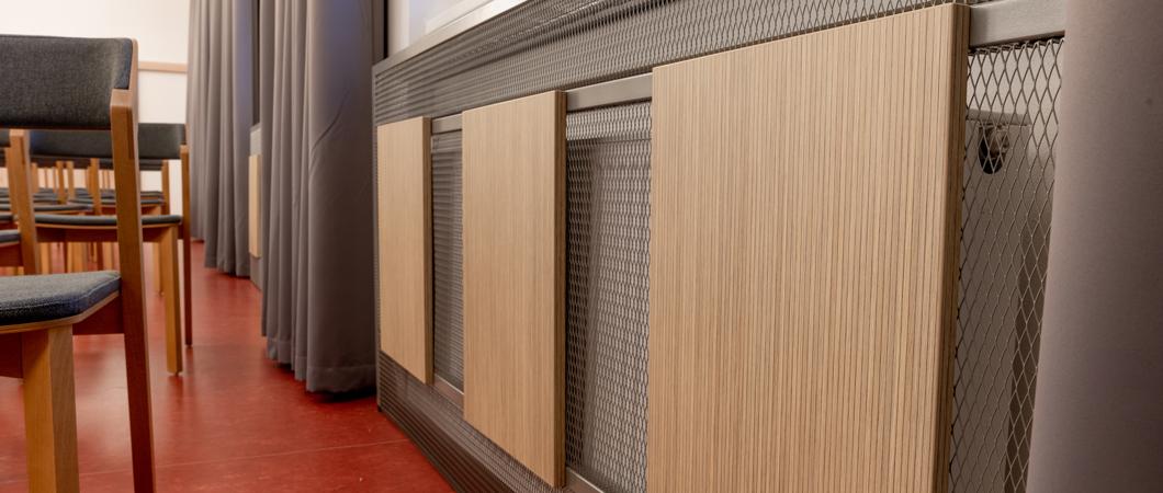 Drobné dekorační prvky s dekorem H3344 ST16 použité jako praktická ochrana.