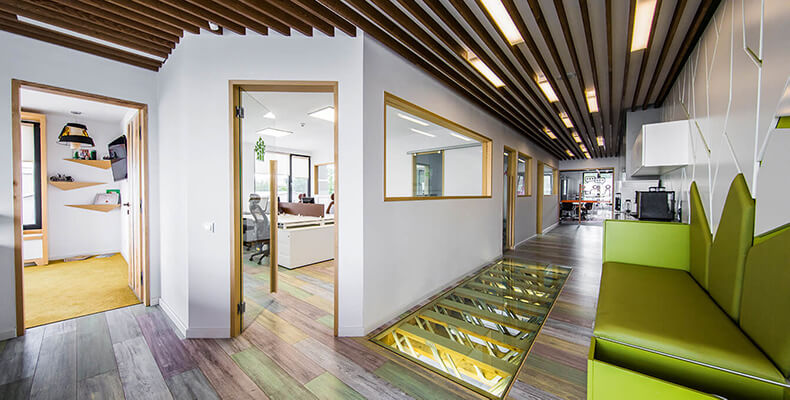 Inspirativní atmosféra v práci s kreativními dekory podlah