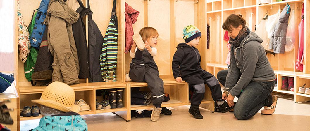 De kinderen in het kinderdagverblijf beleven veel plezier in het nieuwe gebouw.
