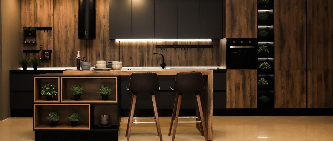 Весь интерьер кухни выполнен в материалах ЭГГЕР