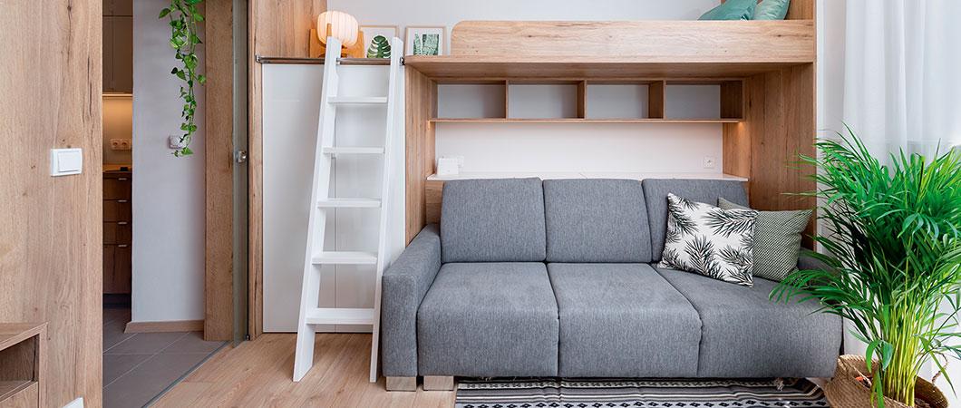 Praktické využití malého prostoru s převládajícím dekorem H1180 ST37 Dub Halifax na nábytku.