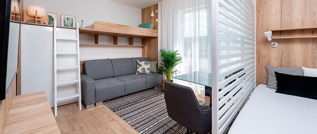 Účelně dispozičně řešený byt s dostatkem úložných prostor s dekory EGGER.