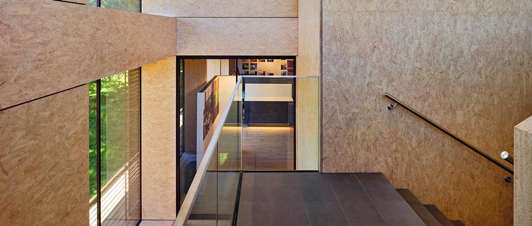 Utilizarea plăcilor OSB 4 Top în interior conferă încăperilor un aspect deosebit de luminos.