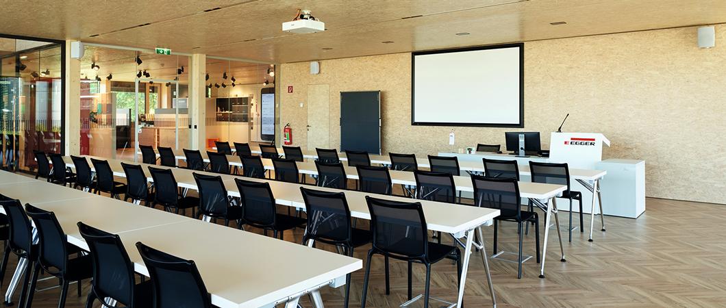 Pe lângă Forum și un restaurant pentru angajați, noua clădire găzduiește și un spațiu expozițional, birouri și săli pentru seminarii.