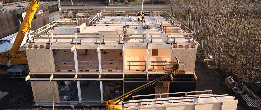 Formatul mare al plăcilor OSB reprezintă măsura-etalon a tuturor elementelor constructive și a caroiajului clădirii.