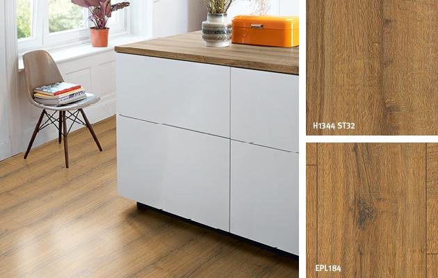 Kuchyň v Dekorové shodě: Dub Sherman koňakově hnědý. Pracovní deska: Pracovní deska Feelwood s hranou   Podlaha: Podlaha Laminát Aqua+