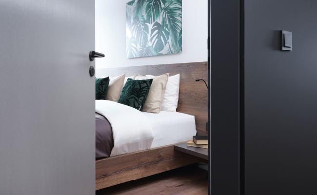 Dveře spojují nejen místnosti, ale také dotváří celkový dojem interiéru.